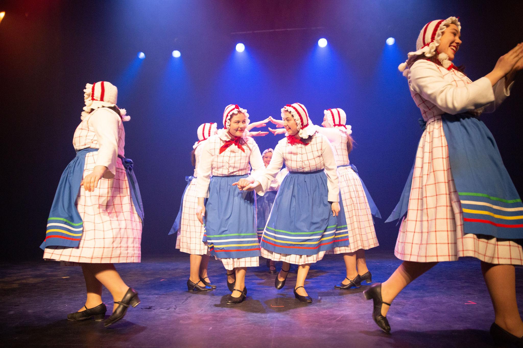 Manigance troupe de danse costume Beauceron